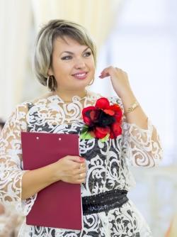 ТАТЬЯНА  КУЛАКОВА - Ведущая, Тамада на свадьбу в Нижнем Новгороде, вокалистка.