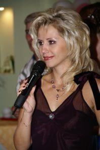 Татьяна Лещенко, ведущая на праздник, тамада