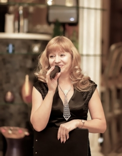 Валентина Сидорова, ведущая праздничных мероприятий