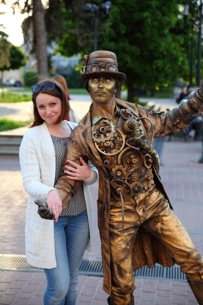серого живые статуи из сказки фото елене успехов карьере