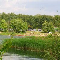 Пляж на озере парка культуры и отдыха второй очереди