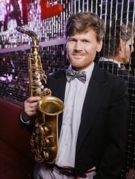Саксофонист Алексей Молев
