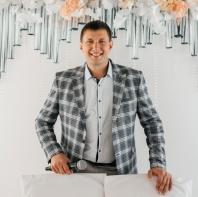 Александр Романычев - народный ведущий с баяном